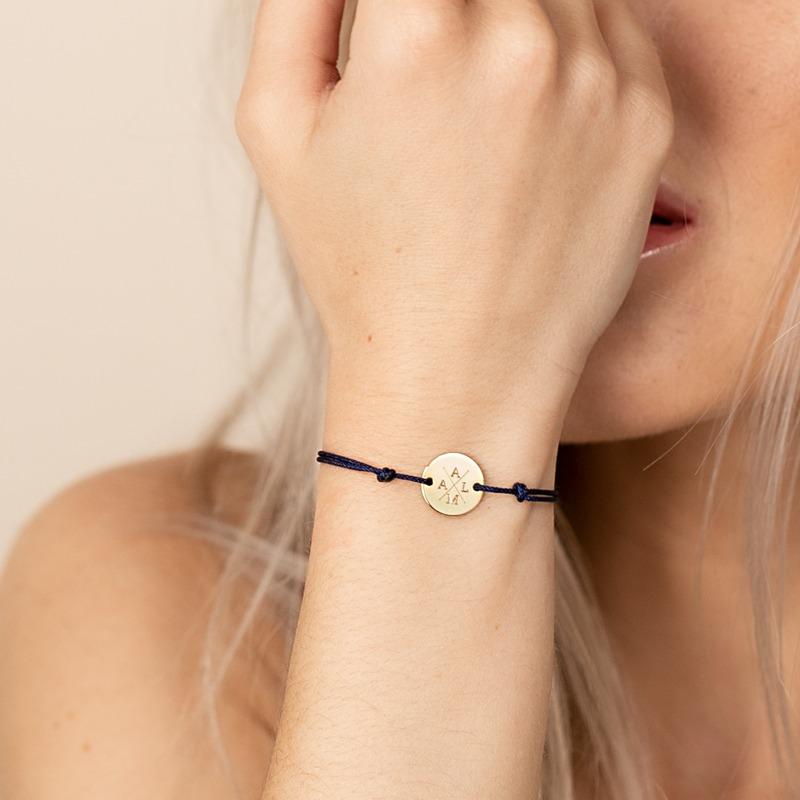 Armband mit runder Gravurplatte auf Nylonband