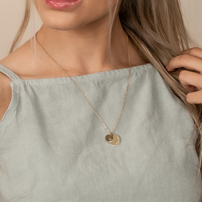 Goldkette personalisiert mit zwei Gravurplatten