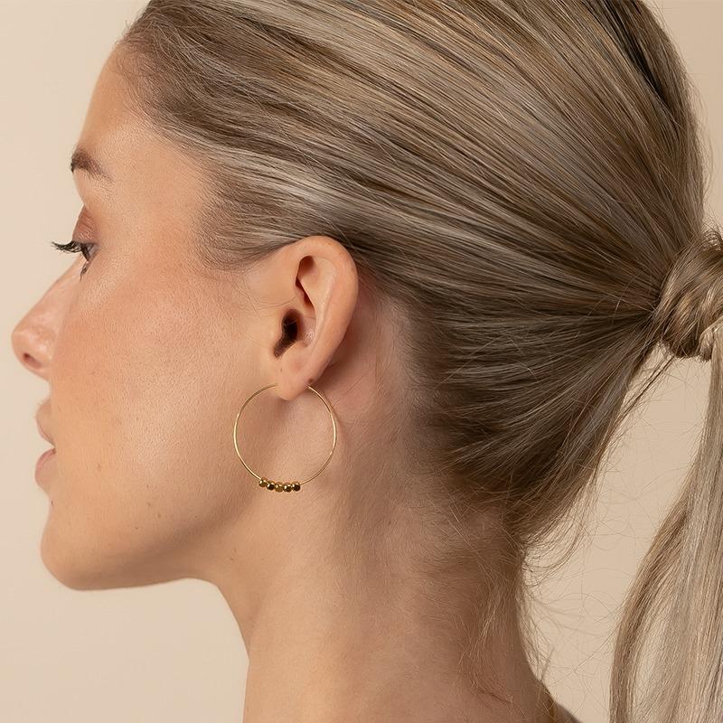 Creolen Ohrringe mit Metallperlen