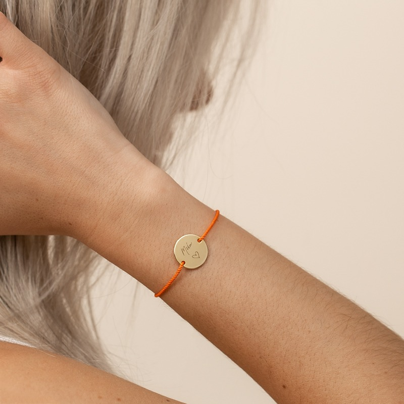 Armband mit Namen und Seidenkordel