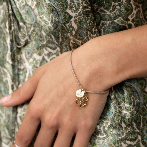 Armband mit Seidenkordel und Viel Glück Anhänger und Kleeblatt