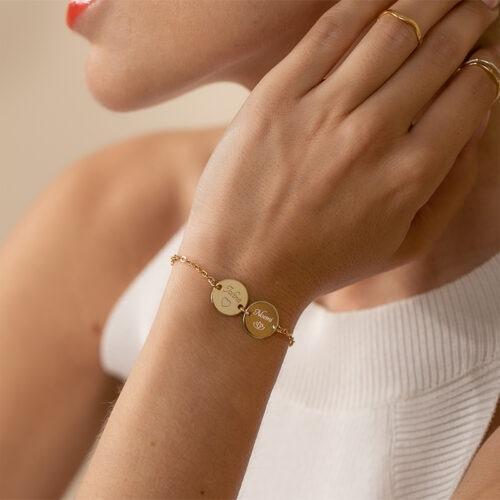 außergewöhnlich originelles Armband mit Text und zwei runden Anhängern