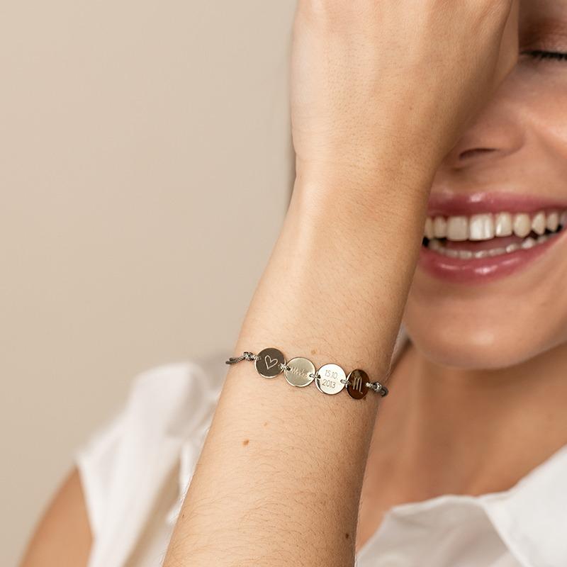 Personalisierbares Armband mit vier Gravur Anhängern