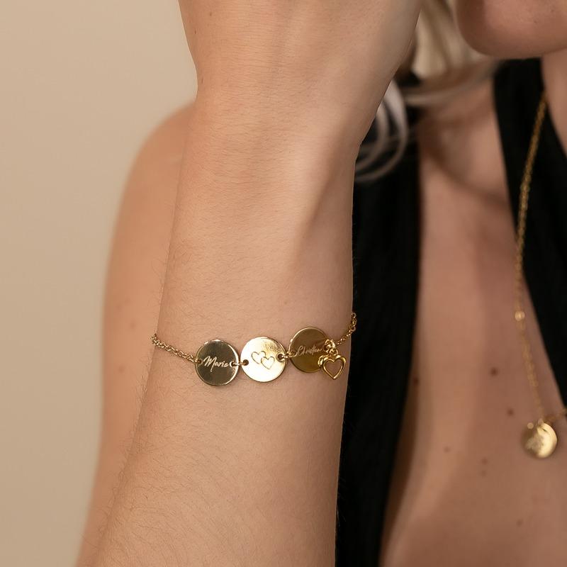 Armband mit drei Gravur Platten und Herz Charm