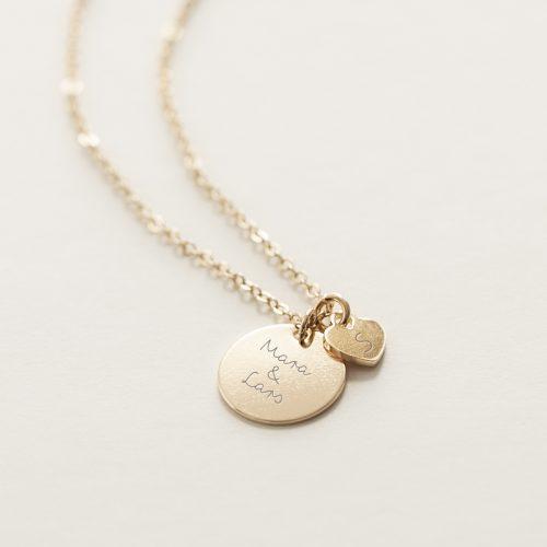 Halskette mit einer 15mm Gravurplatte und einem Herzanhänger zum Gravieren