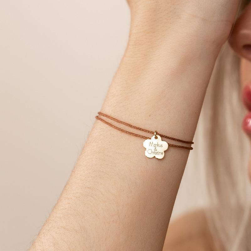 Armband mit Blumen Anhänger der graviert werden kann